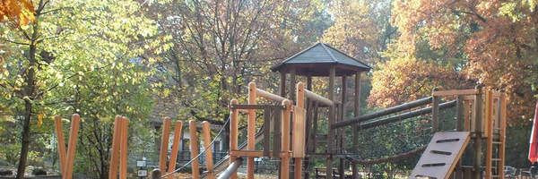 Wir haben den Spielplatz erweitert!/Rozbudowaliśmy plac zabaw!